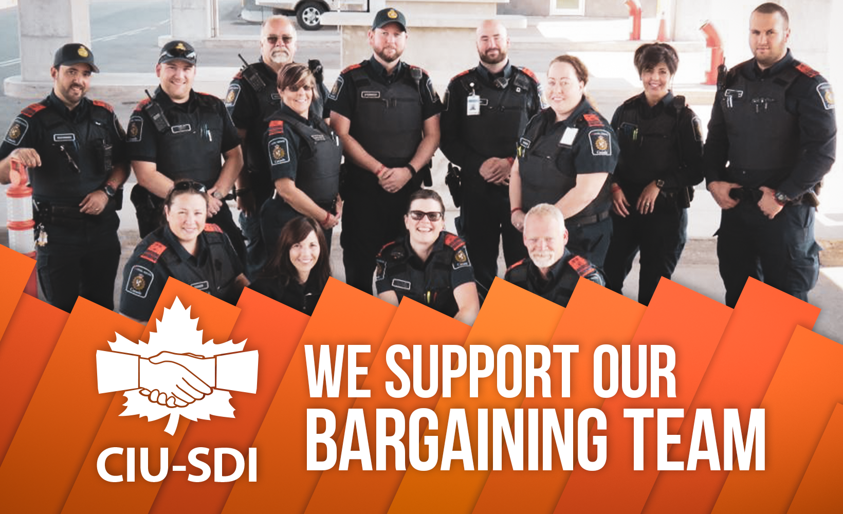 Photo of a group of BSOs with the words We support our bargaining team